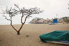 TREDY-fashion Online Magazin. Making-of Shooting in Alicante Spanien. Strand Landschaft